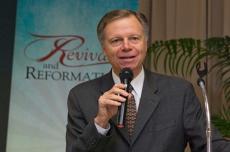 525_world-church-leaders-evangelism-report_large.jpg